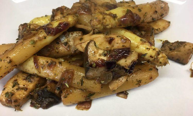 Gebratener Spargel mit Pilzen und Balsamico Knoblauch Marinade