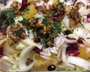 Radicchio Chicorée Salat mit Orangen und Granatapfelkernen