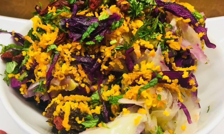 Rotkohl Fenchel Salat mit Miso Tahini Dressing