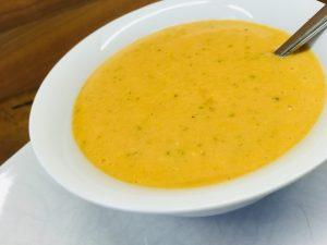 Gazpacho andaluz: Kalte Tomatensuppe mit Knoblauch