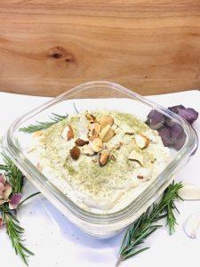 Artischocken Hummus mit weißen Bohnen, Mandeln und Rosmarin