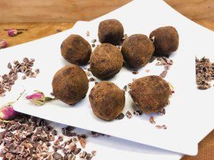 Dark Chocolate Trüffel mit getrockneten Pflaumen und Walnüssen
