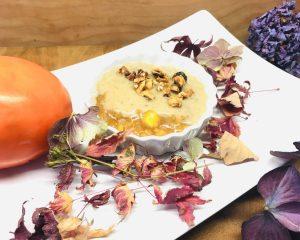 Kaki Parfait mit Dattel Karamell Creme und Haselnuss Crunch