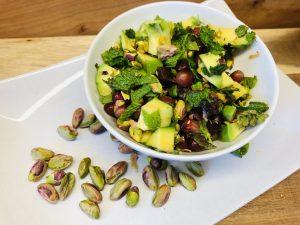 Dattel Avocado Salat mit Pistazien, Granatapfelkernen und Za'atar