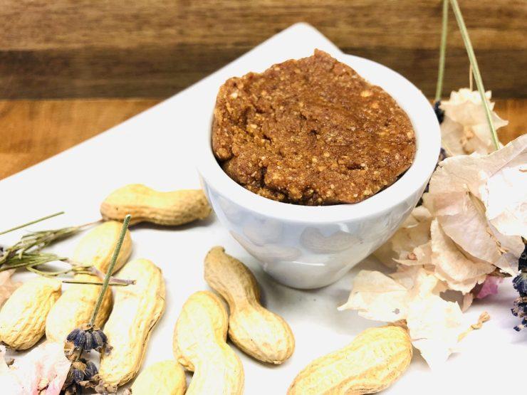 Erdnuss Miso Dip