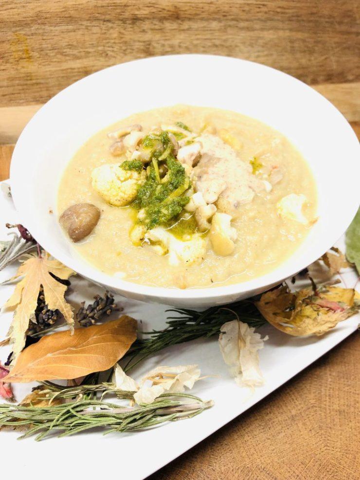 Blumenkohl Maronen Suppe mit Salbei Zitronen Öl
