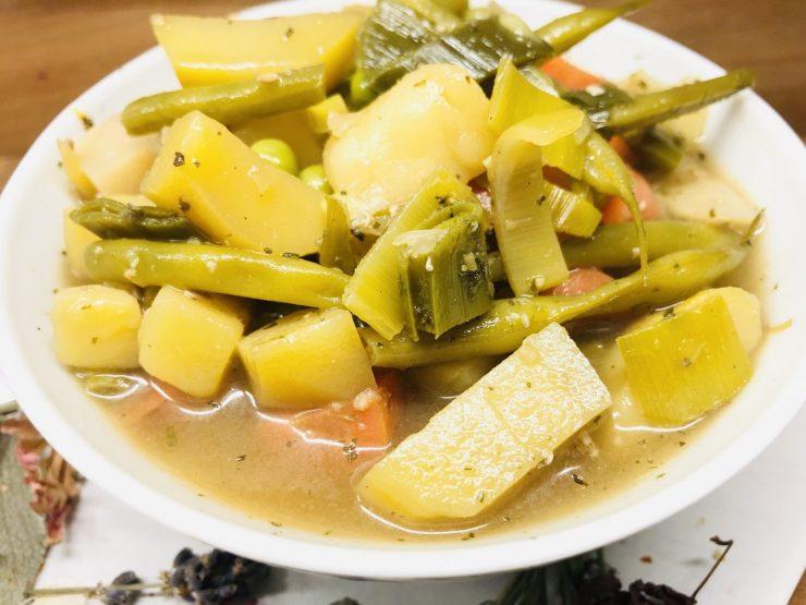 Gemüsesuppe mit Miso