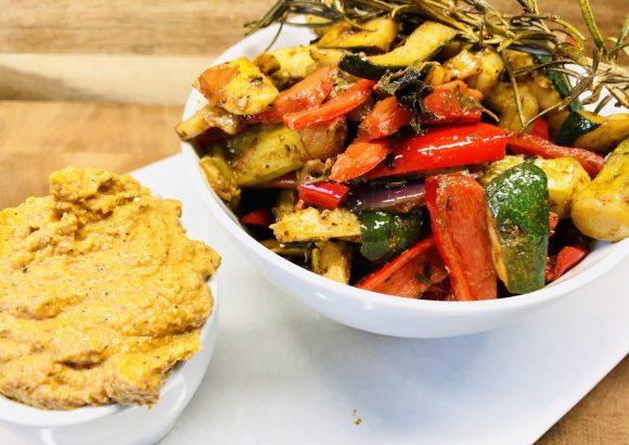 Ofengemüse mit Balsamico und Tomaten Zucchini Hummus