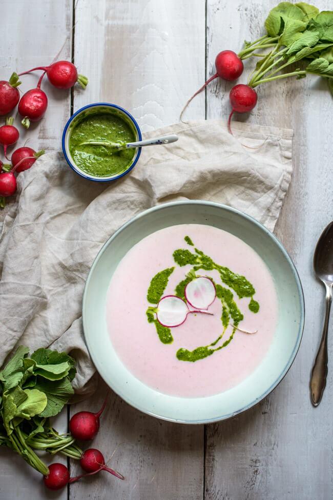 Radieschen Suppe mit Radieschengrn Pesto  LECKERCo