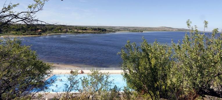 La piscine du domaine naturiste  Le Clapotis