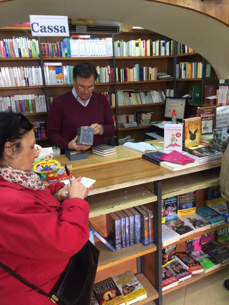 Crisi mercato del libro Napoli