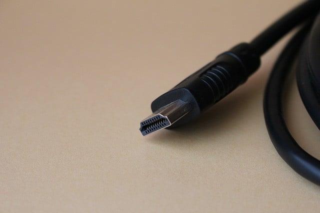 Que faire s'il manque des prises HDMI sur votre TV ?