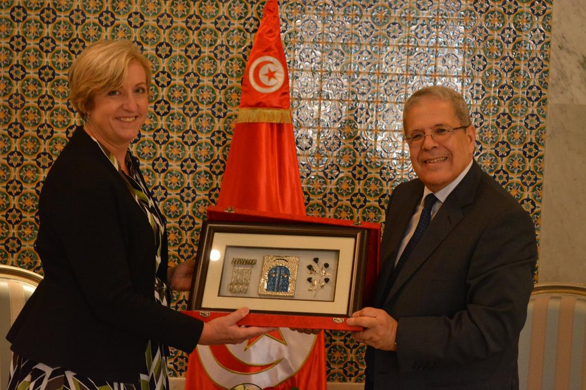Tunisie – Royaume Uni: fin de mission de l'ambassadrice Mme Louise De Sousa