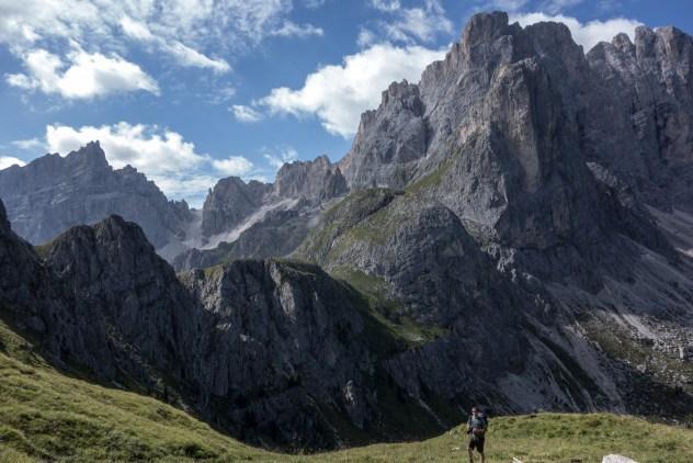 Blick auf die Geisler-Puez-Gruppe am Aufstieg zum Kreuzjoch