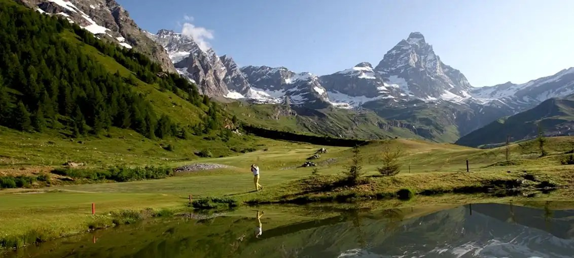 Cervinia: Golf in alta quota immersi nel patrimonio naturalistico italiano