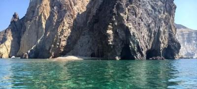 Isola di Palmarola in barca a vela