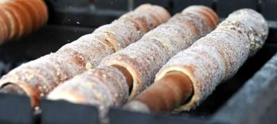 """TRDLO: la ricetta del """"manicotto di Boemia"""", il dolce tipico di Praga"""