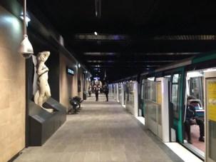 fermata-metropolitana-louvre-rivoli