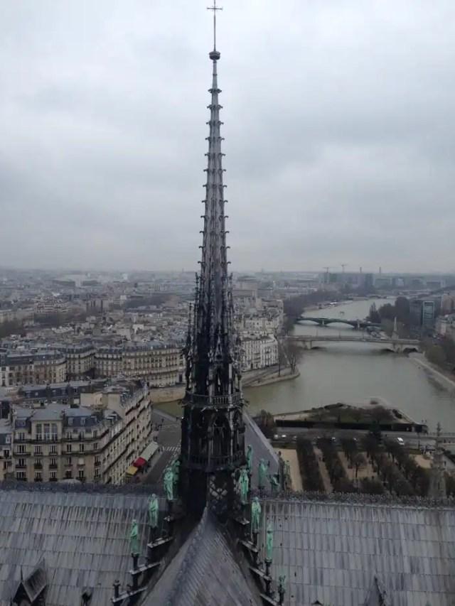 Notre Dame guglia