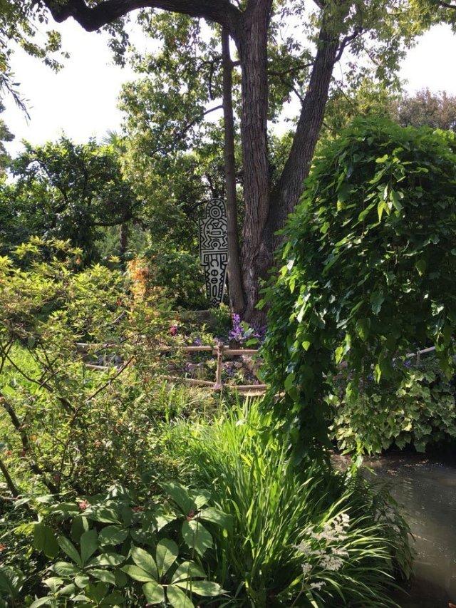 Heller Garden - Keith Haring opere