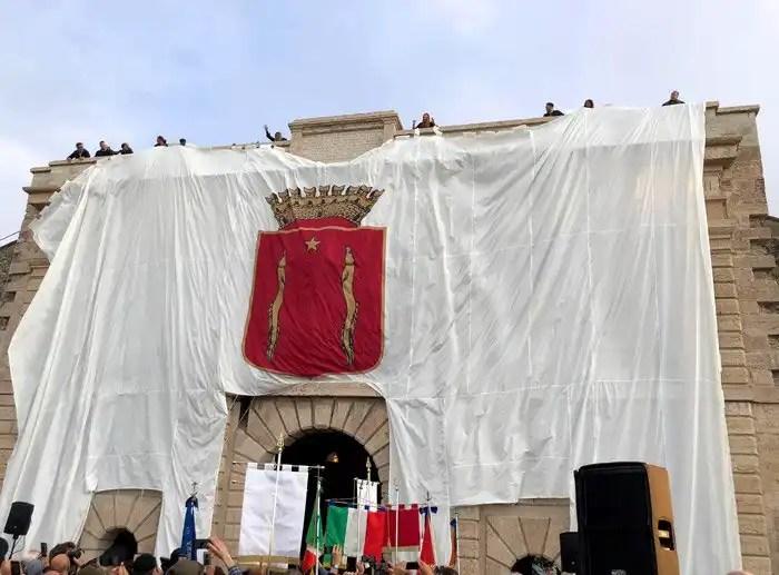 Il Leone di San Marco di Porta Verona a Peschiera del Garda