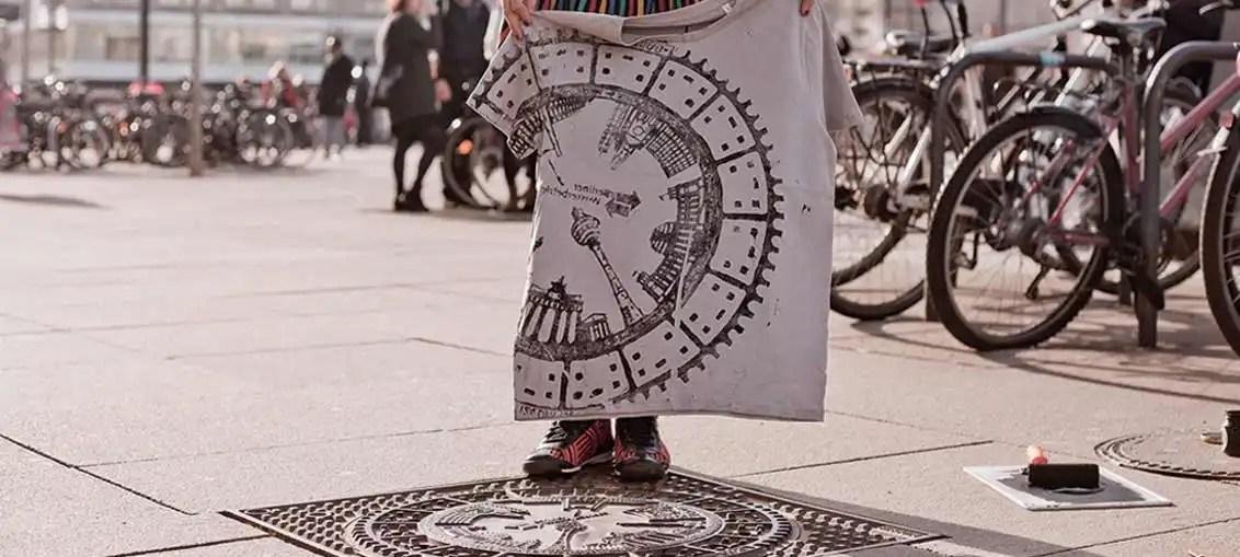 Arte e moda: l'abbigliamneto street style di Raubdruckerin a Berlino