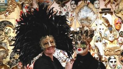 Maschera di Carnevale e Halloween a tema viaggio