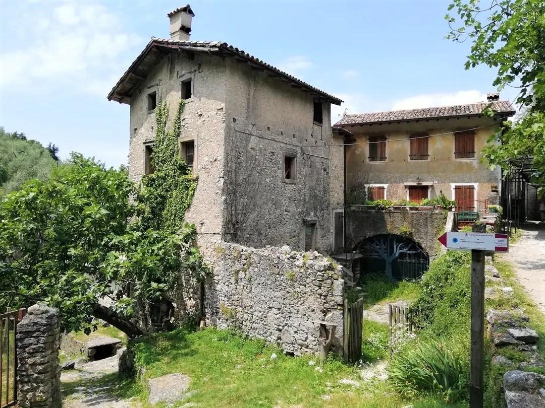 Campo di Brenzone, visita al borgo medievale