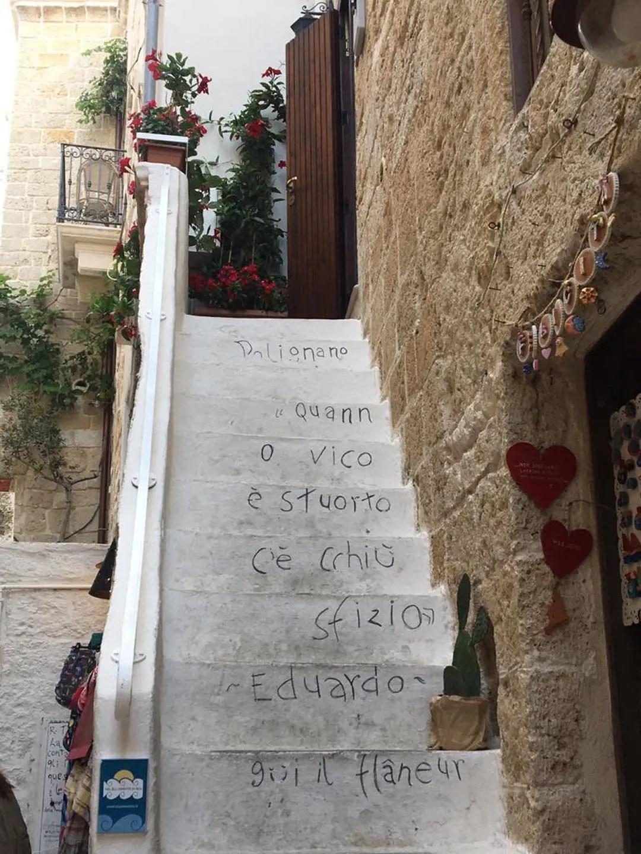 Polignano a Mare scritte nel centro storico
