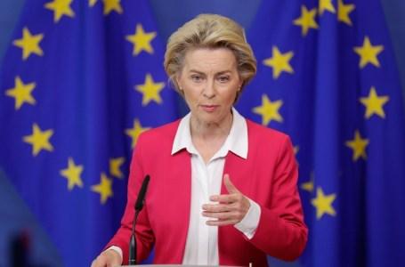 La présidente de la Commission Ursula von der Leyen, présentant le programme de réforme de la politique migratoire de l'Union européenne, le 23 septembre 2020. STEPHANIE LECOCQ / POOL / AFP