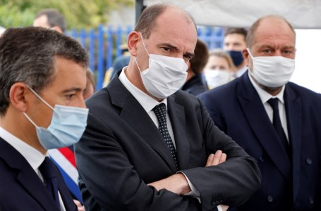 Jean Castex au tribunal de Bobigny, le 25 septembre 2020, pour annoncer la prime de « fidélisation » de 10 000 euros que le gouvernement compte accorder aux fonctionnaires à partir du 1er-10-2020.