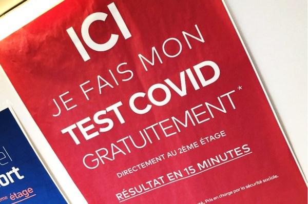 Opération de dépistage du Covid-19 dans les lycées franciliens à partir du 23-11-2020.