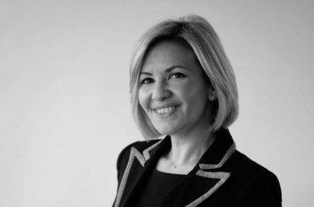 directrice de cabinet : Yasmine Mecinah