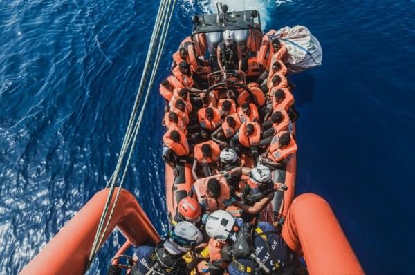 Opération sauvetage de l'Ocean Viking : 129 migrants secourus