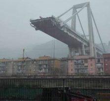 Dopo 51 anni a Genova CROLLA il Ponte Morandi procurando almeno 11 morti e 7 feriti
