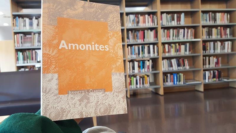 Amonites de Jeannette L. Clariond: micro revelaciones