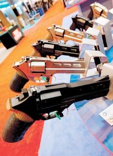 <div><br /> La tuerie survenue dans un cinéma de Denver vendredi, dont l'auteur présumé, James Holmes, a comparu hier en cour, n'a pas du tout ébranlé les défenseurs des armes à feu aux États-Unis.</div><br />