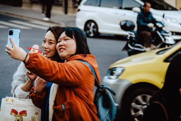 Chinese people using smartphones