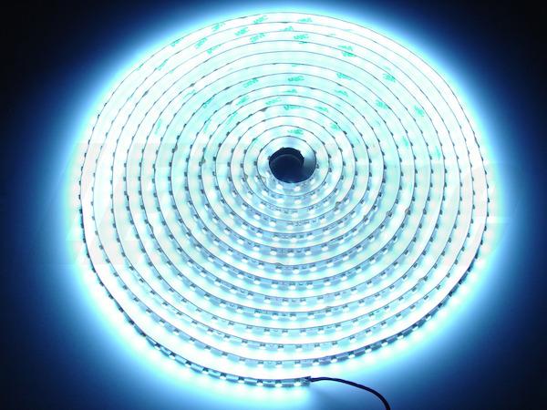 Helles 5m LED Band 48W = 4000 Lumen