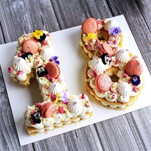 le doux fruit patisserie artisanale montpellier _ number cake girly macaron fleurs meringue praline rose