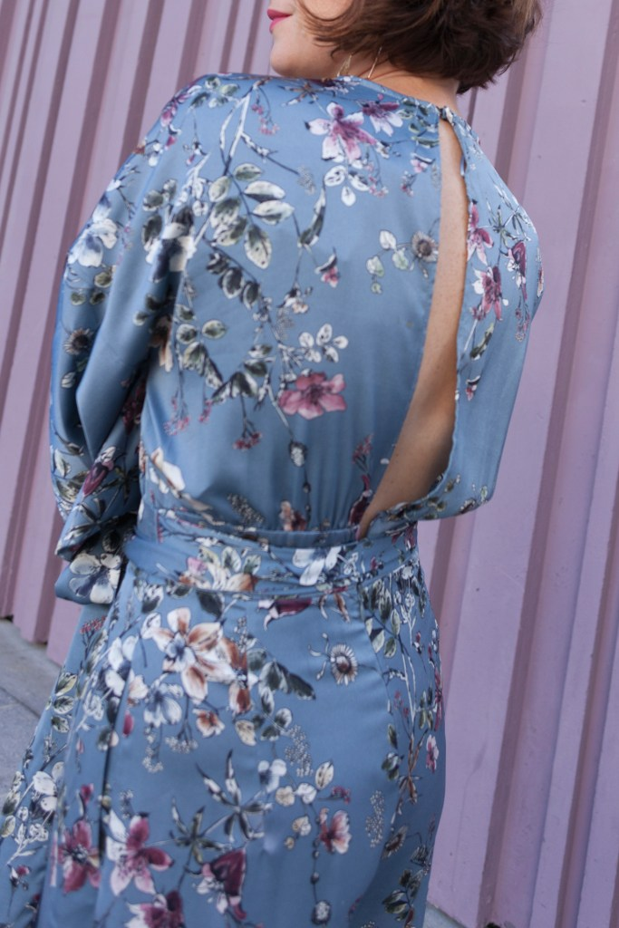 combi pantalon zara fleuri motif mur violet blog mode blogueuse paris escarpins vert ceinture nouée