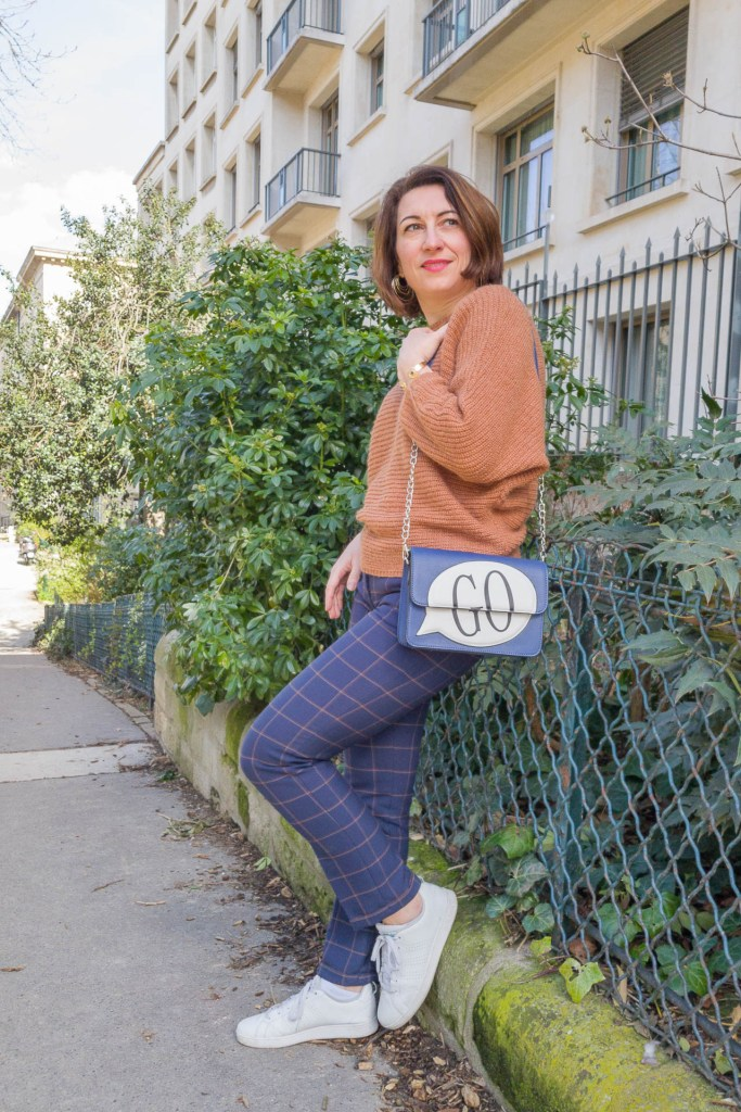 noisette, écureuil, pantalon à carreaux, look, mode, fashion, blog, blogueuse, paris, sneakers, monoprix, pantalon raccourci, sac orginal, GO, sac bleu