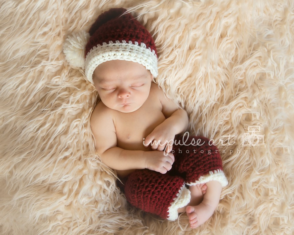 ... pattern for a newborn size Santa hat. 20141104 0031 copy 400c3683d88