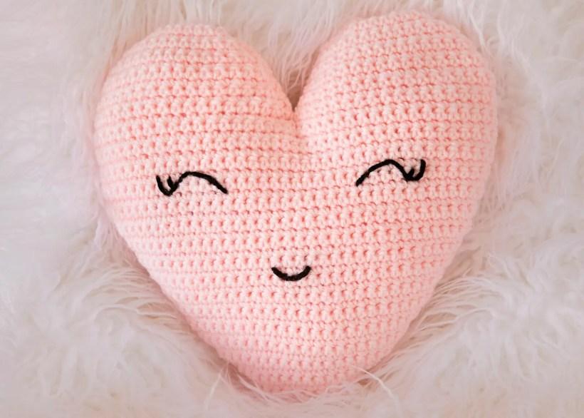 Heart Shaped Pillow Crochet Pattern Leelee Knits