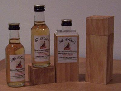Whisky flesjes met eigen label en doosje