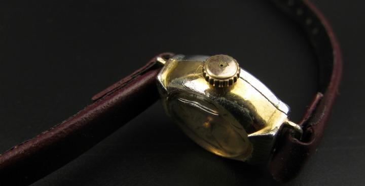 Vintage horloges opwindbaar fifties leesvoer 7 close up gebreken