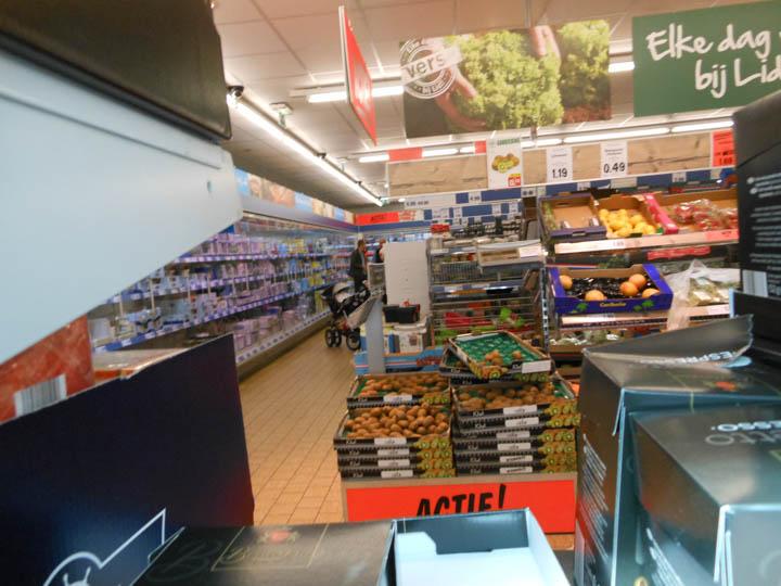LeesVoer kleuter met een camera kleuterplog plog supermarkt-26