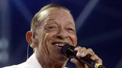 Le chanteur (ici en 2002) avait tiré sa révérence lors d'ultime concert pour ses 60 ans de carrière au Palais des Congrès le 21 décembre.