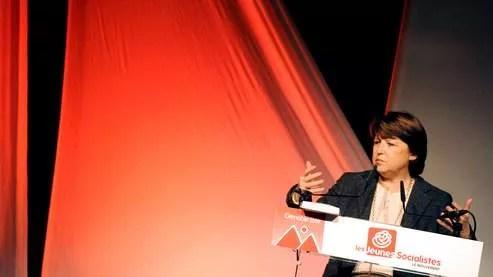 «Nicolas Sarkozy fait honte à la France en voulant opposer identité nationale et immigration», a déclaré Martine Aubry.