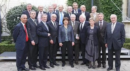 La première secrétaire du PS, Martine Aubry, a réuni, mardi,au siège du Parti socialiste, à Paris, les présidents de région socialistes vainqueurs du second tour des régionales.